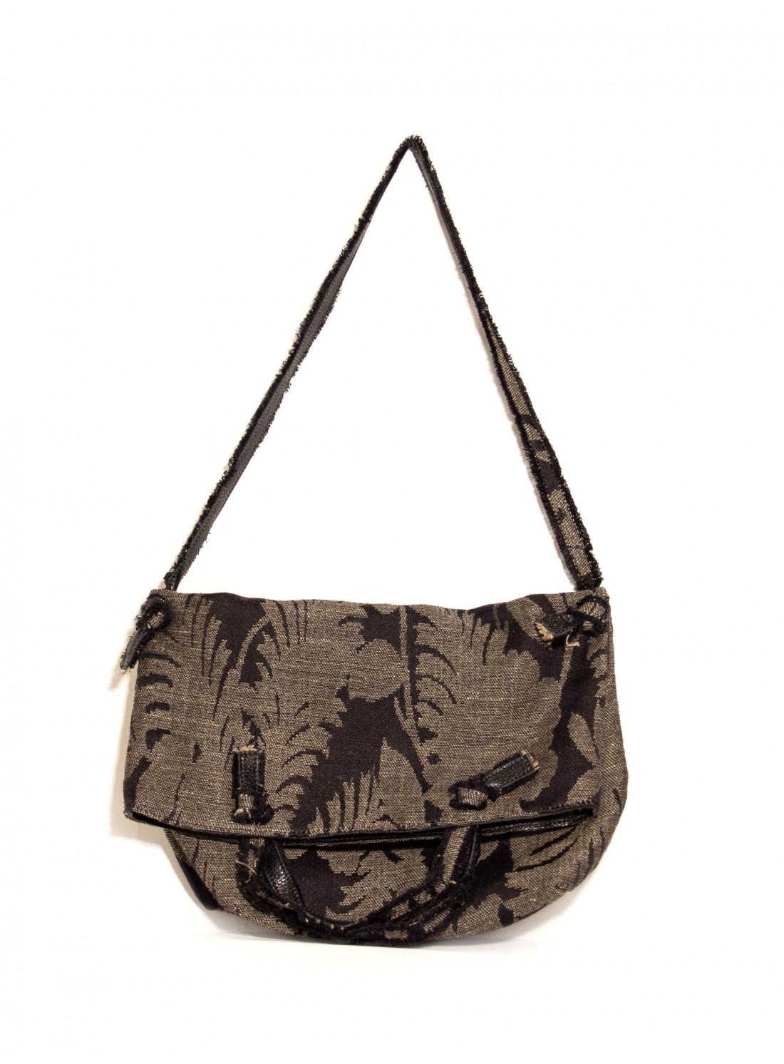 Jacket Atri